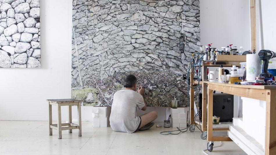 Exposición «Primera Pedra» de Jordi Fulla»
