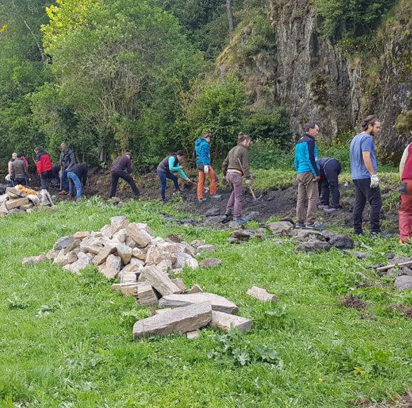 El curs de pedra seca inicia amb èxit de participació les sessions pràctiques